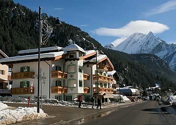 2 stars B&Bs in Canazei (**) in Canazei. Near Dolomites