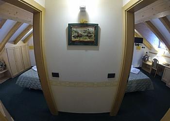 Hotel 3 stelle a Canazei (***) a Canazei. Camera Matrimoniale comunicante-Famigliare