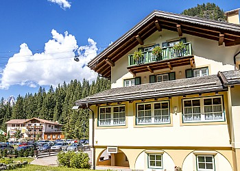 3 stars Hotels in Canazei (***) in Canazei. Hotel Villa Rosella_Canazei_val di fassa_Trentino_Dolomiti