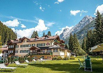 3 stars Hotels in Canazei (***) in Canazei - Summer - Photo ID 307
