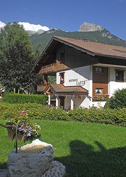 Residences a Moena. Residence Lastè, casa e appartamenti per vacanza a Moena in val di Fassa, Trentino.