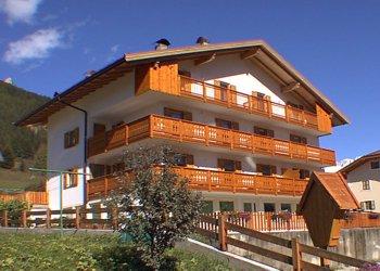 Apartments Pozza di Fassa: Lorenzo Pezzei