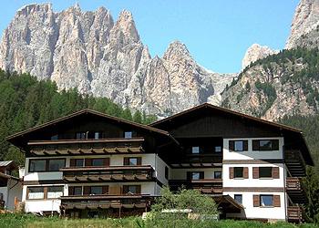 Residence - San Giovanni di Fassa - Pera - Außenansicht Sommer - Photo ID 1043