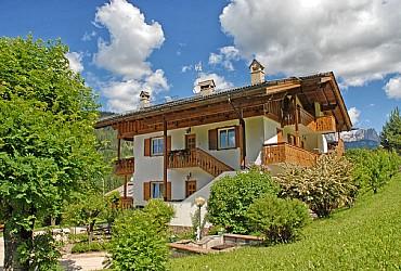 Apartments Moena: Ciasa Lino Defrancesco - Olga Fenti Defrancesco