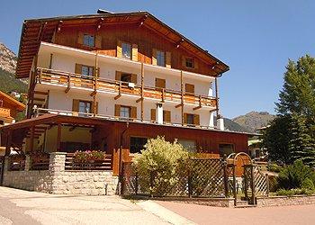 Wohnung - San Giovanni di Fassa - Pera - Außenansicht Sommer - Photo ID 1178