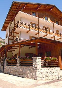 Wohnung - San Giovanni di Fassa - Pera - Außenansicht Sommer - Photo ID 1180