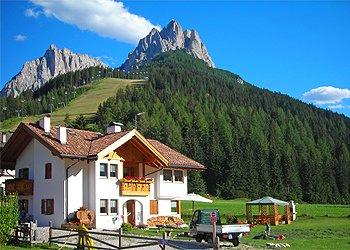 Appartamento a San Giovanni di Fassa - Pozza. Veduta panoramica sas da le Doudesc e sas da le Undesc