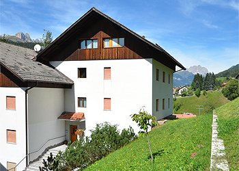 Ferienwohnungen Moena: Residenza Mariella - Helga Beyer / Pozzi