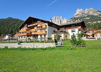 Wohnung - San Giovanni di Fassa - Pera - Außenansicht Sommer - Photo ID 1359