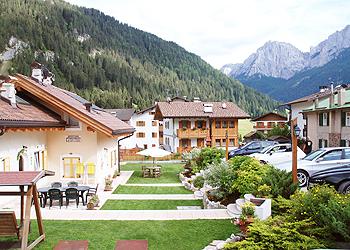 Residence - San Giovanni di Fassa - Pera - Außenansicht Sommer - Photo ID 1427