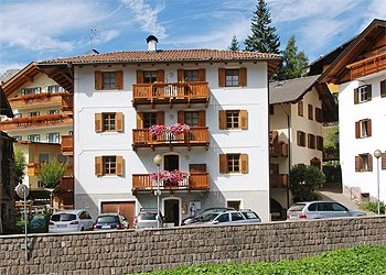 Apartmaji Moena: Casa Sommariva
