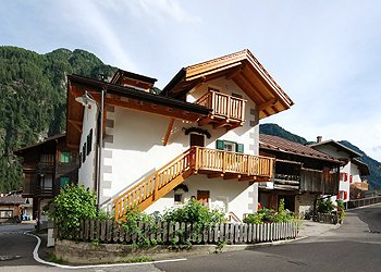 Apartments Campitello di Fassa: Appartamenti Marin Street - Sandra Decristina
