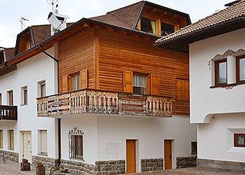 Appartamenti Moena: Livio Pettena