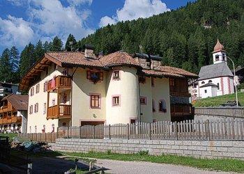 Appartamenti Moena: Giuseppe Pettena