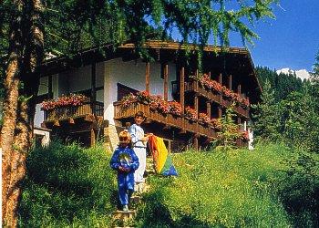 Residence Canazei: Cèsa Soramurat - Fam. Soraruf