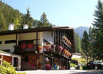 Ubytovna - Canazei - Zvenčí - v létě - Photo ID 181