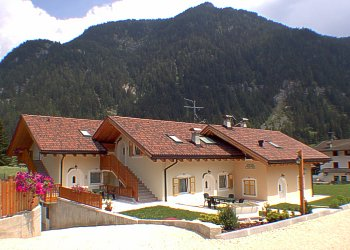 Residences in San Giovanni di Fassa - Pera. New house with 800mq of garden.