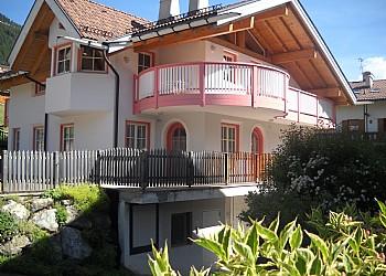 Wohnung - San Giovanni di Fassa - Vigo - Außenansicht Sommer - Photo ID 2018