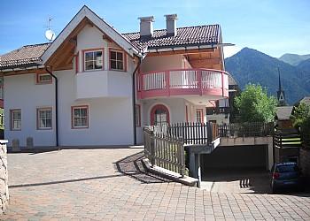 Wohnung - San Giovanni di Fassa - Vigo - Außenansicht Sommer - Photo ID 2020