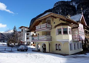 Bytě - Campitello di Fassa - Zvenčí - v zimě - Photo ID 2281