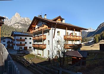 Wohnung - San Giovanni di Fassa - Pozza - Außenansicht Winter - Photo ID 2299