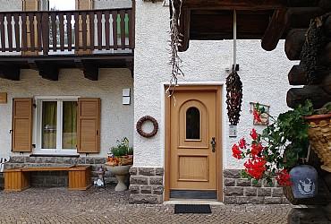 Bytě - San Giovanni di Fassa - Vigo  - Zvenčí - Photo ID 2342