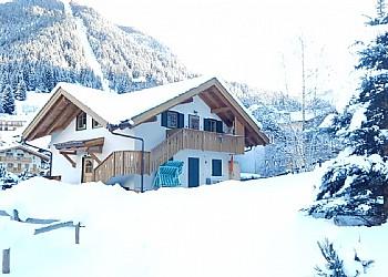 Bytě - San Giovanni di Fassa - Pozza - Zvenčí - v zimě - Photo ID 2419