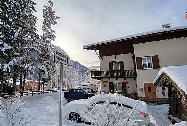 Bytě - San Giovanni di Fassa - Vigo  - Zvenčí - v zimě - Photo ID 2505
