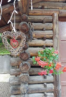 Bytě - San Giovanni di Fassa - Vigo  - Zvenčí - Photo ID 2506