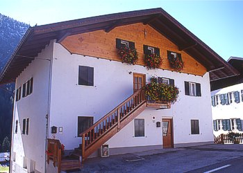 Apartment in Penia di Canazei. Our flat for rental is located in our private house in the cetre of Penia di Canazei.