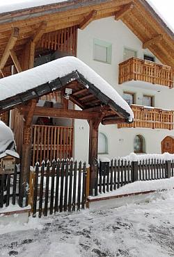 Wohnung - San Giovanni di Fassa - Pozza - Außenansicht Winter - Photo ID 2790
