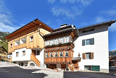 Apartment in Campitello di Fassa. The apartament is located in the historic center of Campitello di Fassa. At about 250 meters from the cableway Col Rodella.Reserved parking space.