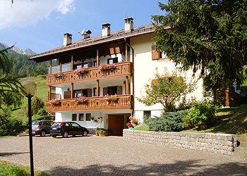 Apartamentos Moena: Sorelle Vadagnini
