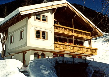 Apartment in San Giovanni di Fassa - Pozza. The possibility to use rooms as ski and skiboots depot.
