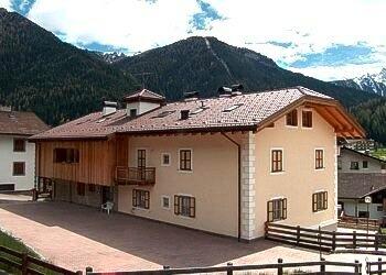 Appartamento a San Giovanni di Fassa - Pozza. Recentemente ristrutturata la casa per appartamenti