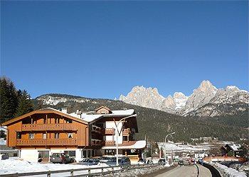 Bytě - San Giovanni di Fassa - Pozza - Zvenčí - v zimě - Photo ID 788