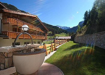 Wohnung - San Giovanni di Fassa - Pozza - Außenansicht Sommer - Photo ID 903