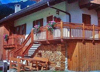 Apartments Campitello di Fassa: N tei pré - Letizia Scola
