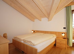 Apartment in Soraga. A bed-room.
