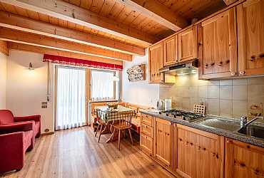 Apartment in Canazei. cosy apartment on the second floor for 2 persons with kitchenette in the living room, bedroom, bathroom and balcony