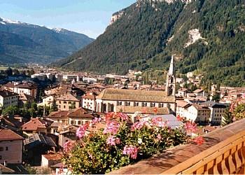 Appartamento a Predazzo. Panorama dalla villa